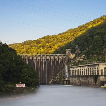 Uruguay seeking to prevent low price energy exports