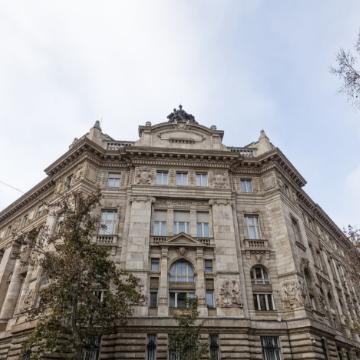 Hungary c-bank mulls