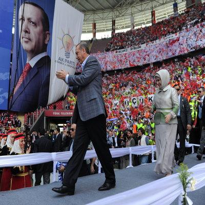 After a bitter referendum, Erdogan must mend divided Turkey